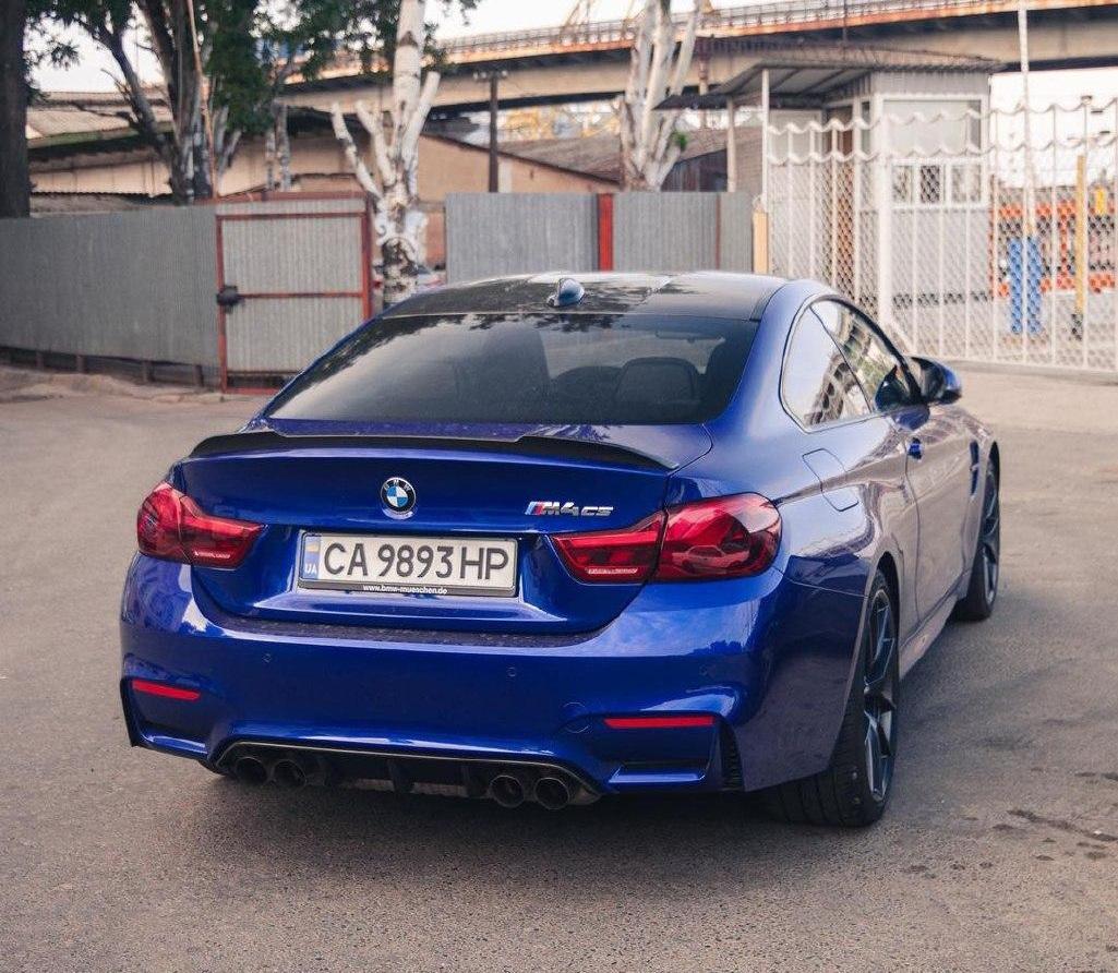 В Украине заметили редкий лимитированный спорткар BMW