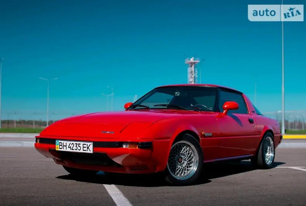 В Украине выставили на продажу культовый японский спорткар с необычным мотором