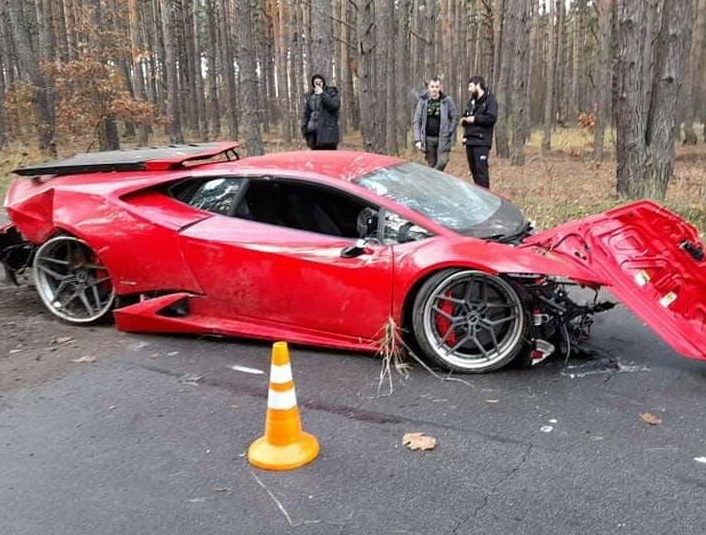 Под Киевом разбили суперкар Lamborghini Huracan (фото)