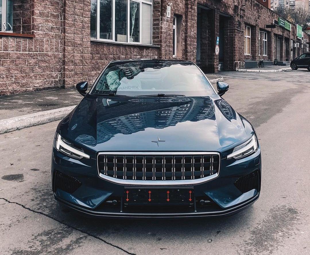 В Киеве засняли уникальное 600-сильное купе от Volvo