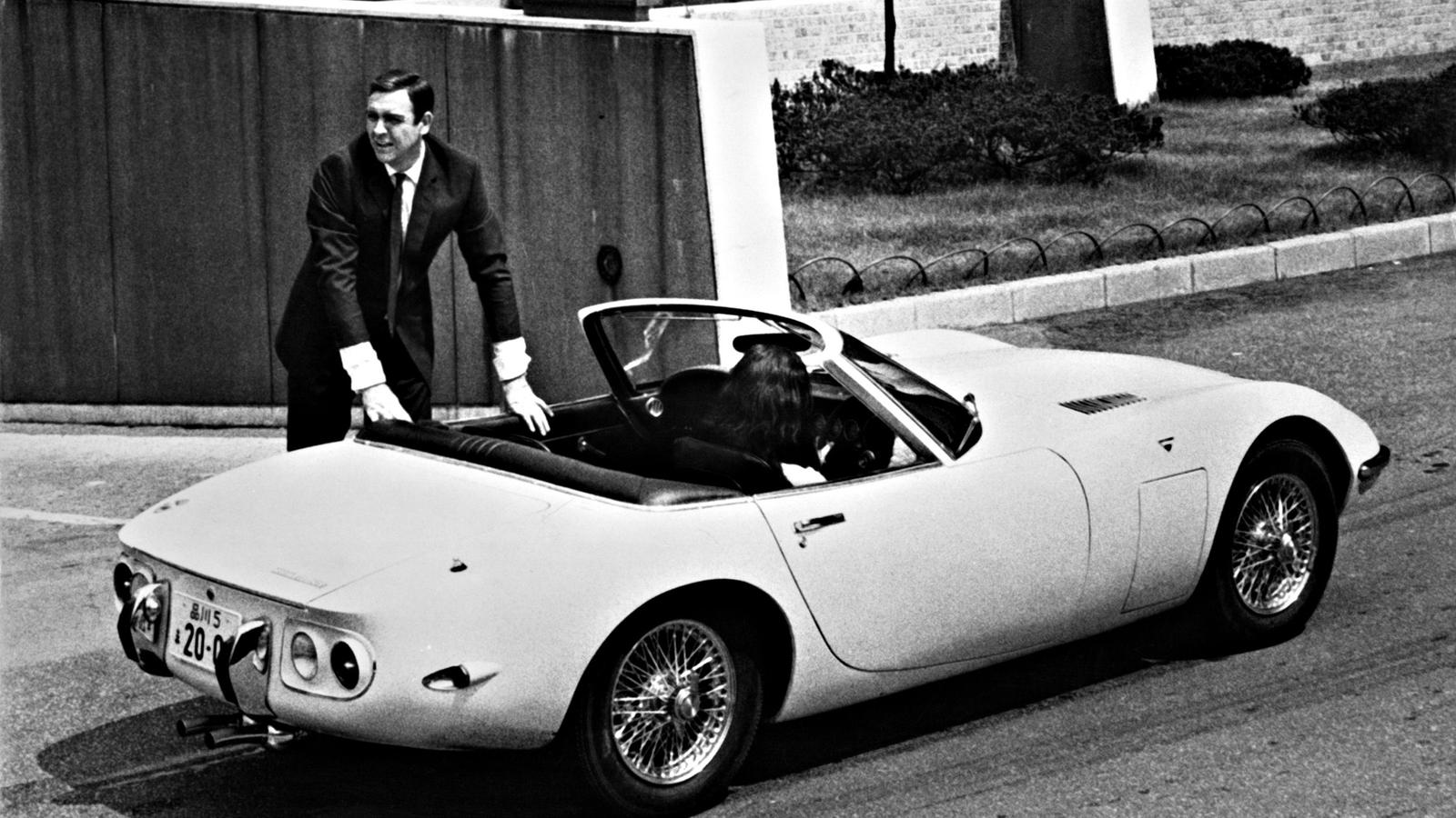 Самые крутые авто Джеймса Бонда в исполнении Шона Коннери
