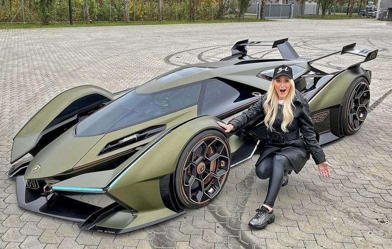 Обзор самого редкого и самого безумного суперкара Lamborghini (видео)