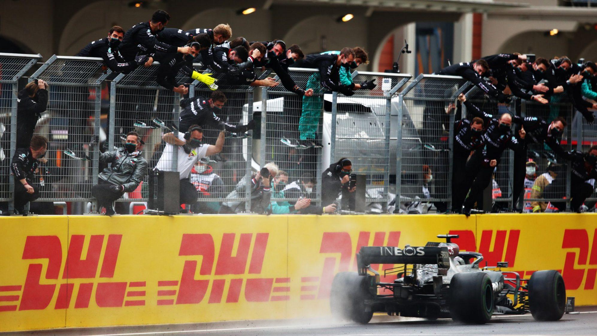 Формула-1: Хэмилтон повторил рекорд Шумахера