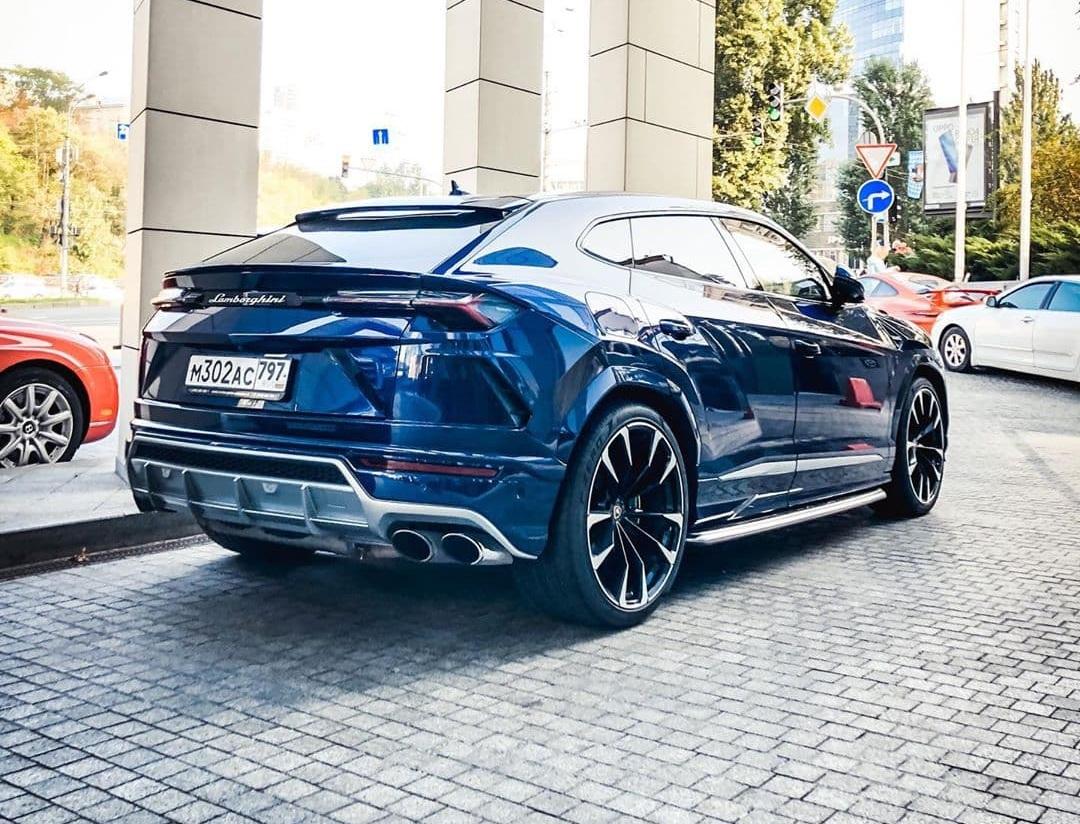В Украине заметили дорогой Lamborghini на российских номерах