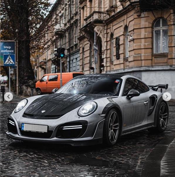 В Украине засняли сверхмощный тюнингованный суперкар Porsche