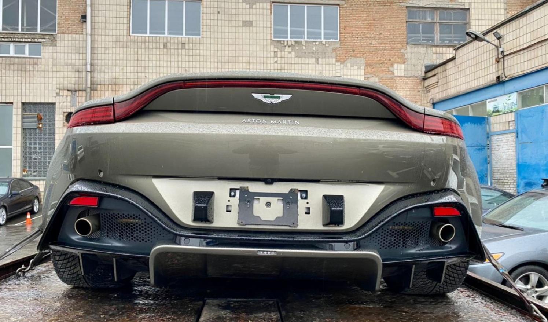 В Украине появился новейший спорткар Aston Martin