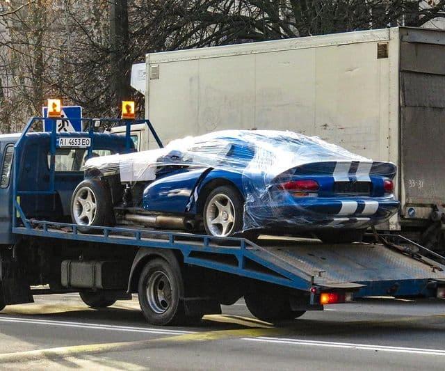 В Украине разбили культовый спорткар Dodge Viper (фото)