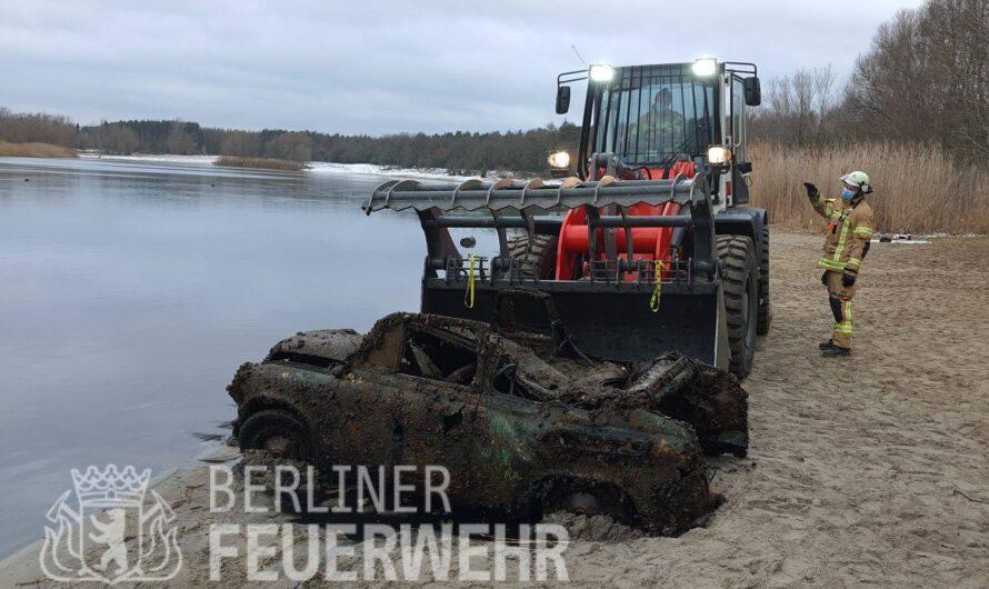 В Германии со дна озера подняли горбатый Запорожец