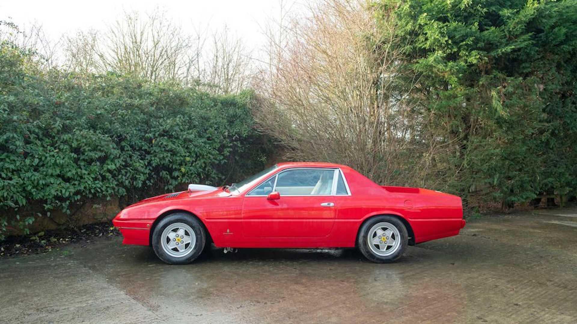 Уникальный пикап Ferrari уйдет с молотка по цене Октавии