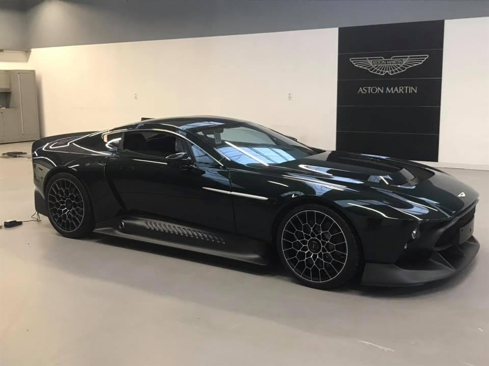 Самый эксклюзивный суперкар Aston Martin засветился на живых фото
