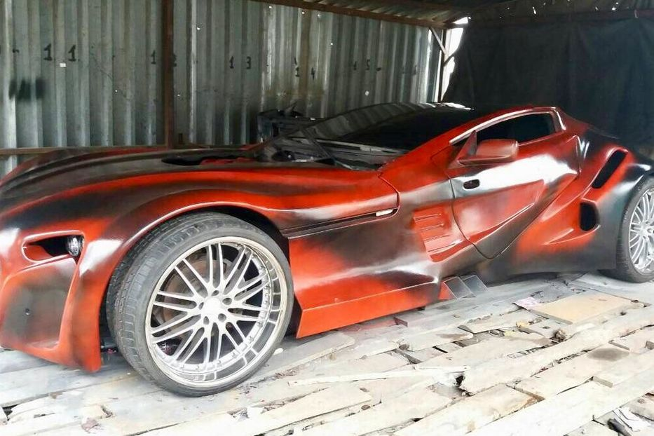 Украинцы продают впечатляющий суперкар BMW (видео)