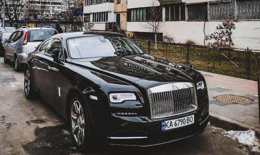 Эстетика: Роллс-Ройс за полмиллиона долларов в захолустье Киева
