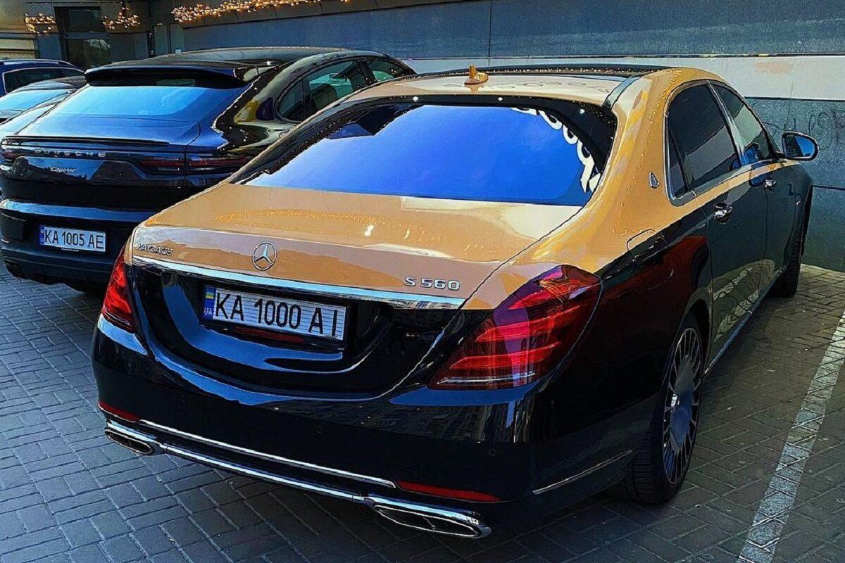 В Украине заметили оригинальный Mercedes-Maybach | ТопЖыр