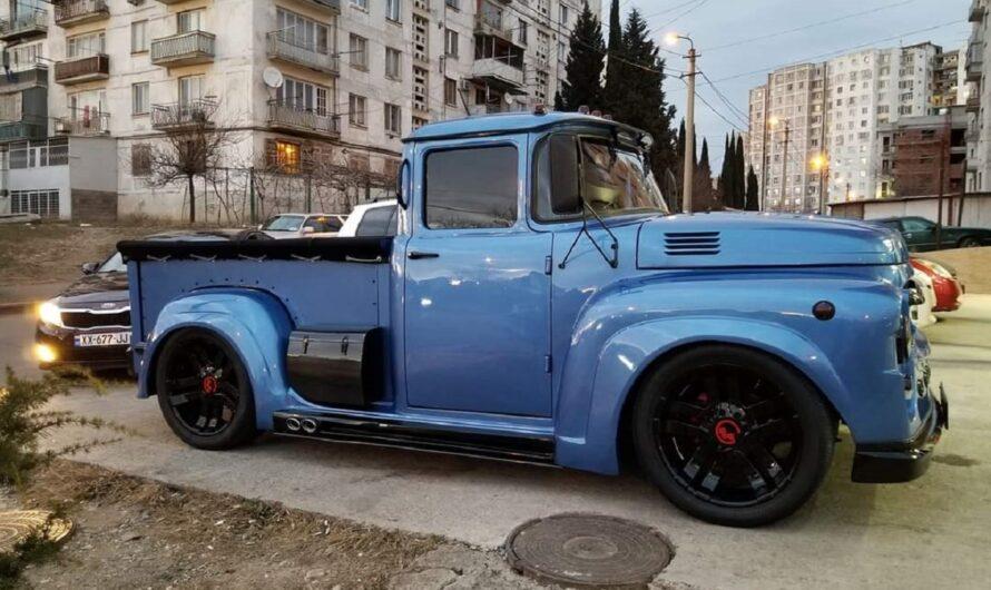 В Грузии скрестили грузовик ЗИЛ и внедорожник Lincoln Navigator (видео)