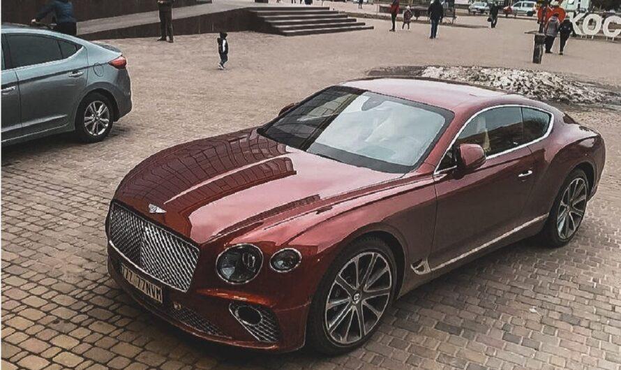 В небольшом украинском райцентре заметили роскошный Bentley