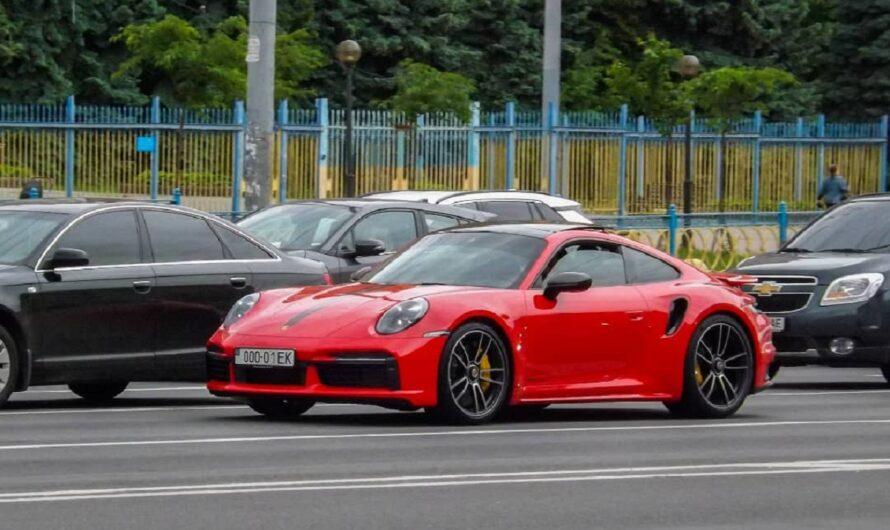 В Украине засветился новый спорткар Porsche со старым донецким номером (фото)