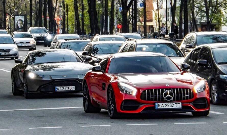 В Украине заметили крутой кортеж на суперкарах