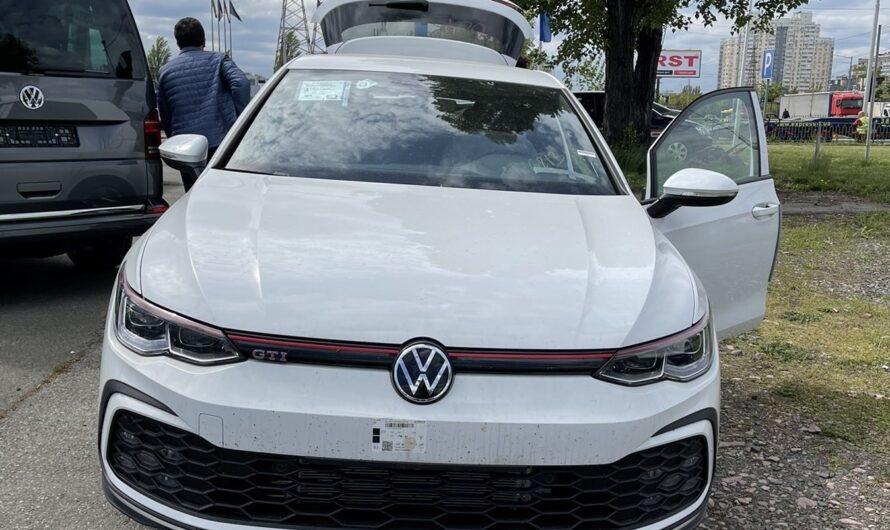В Украине засняли новейший Volkswagen Golf GTI