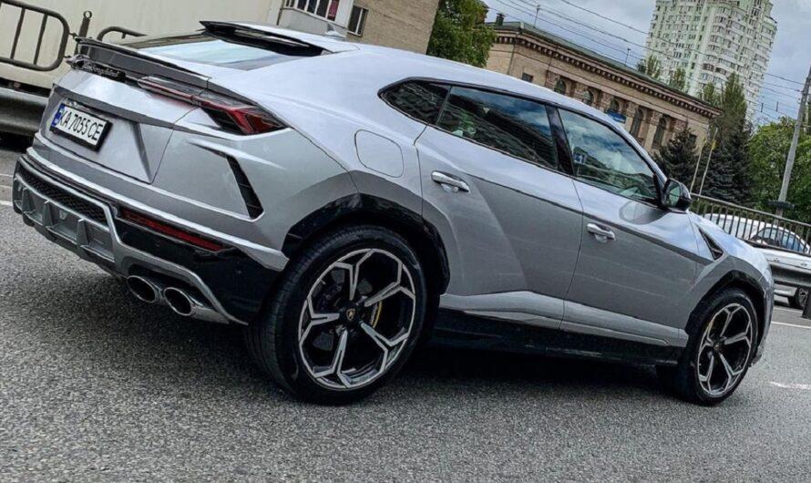 Украинцы активно скупают внедорожные Lamborghini (фото)