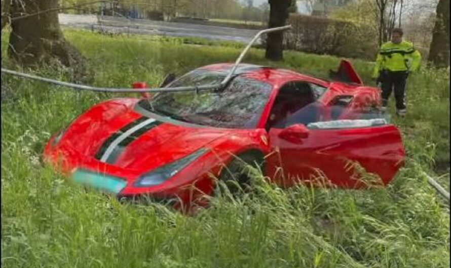 Новейший суперкар Ferrari разбили на второй день после покупки (видео)