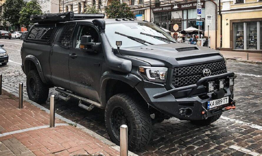 В Украине появился впечатляющий тюнингованный пикап Toyota