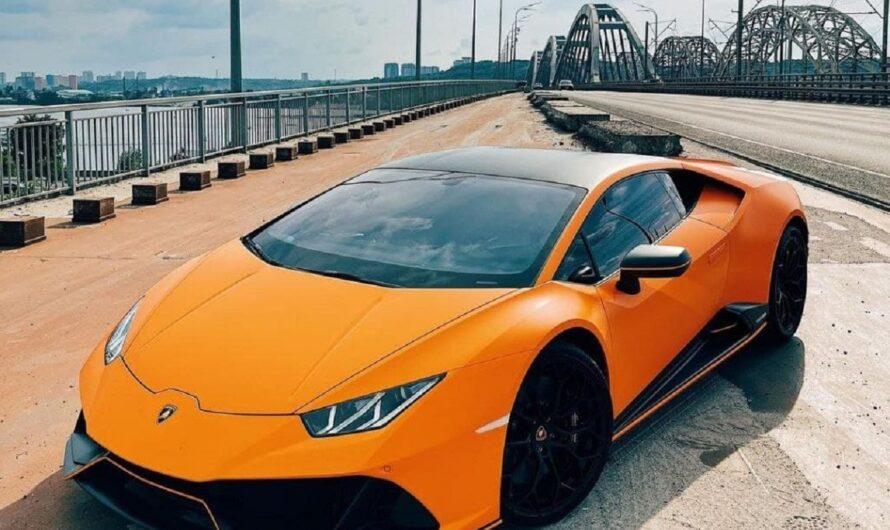 В Украине появился яркий лимитированный суперкар Lamborghini