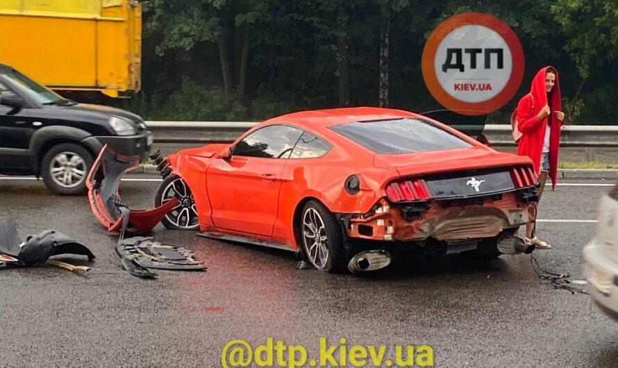 Киевлянин разбил прокатный Ford Mustang в свой День рождения (видео)