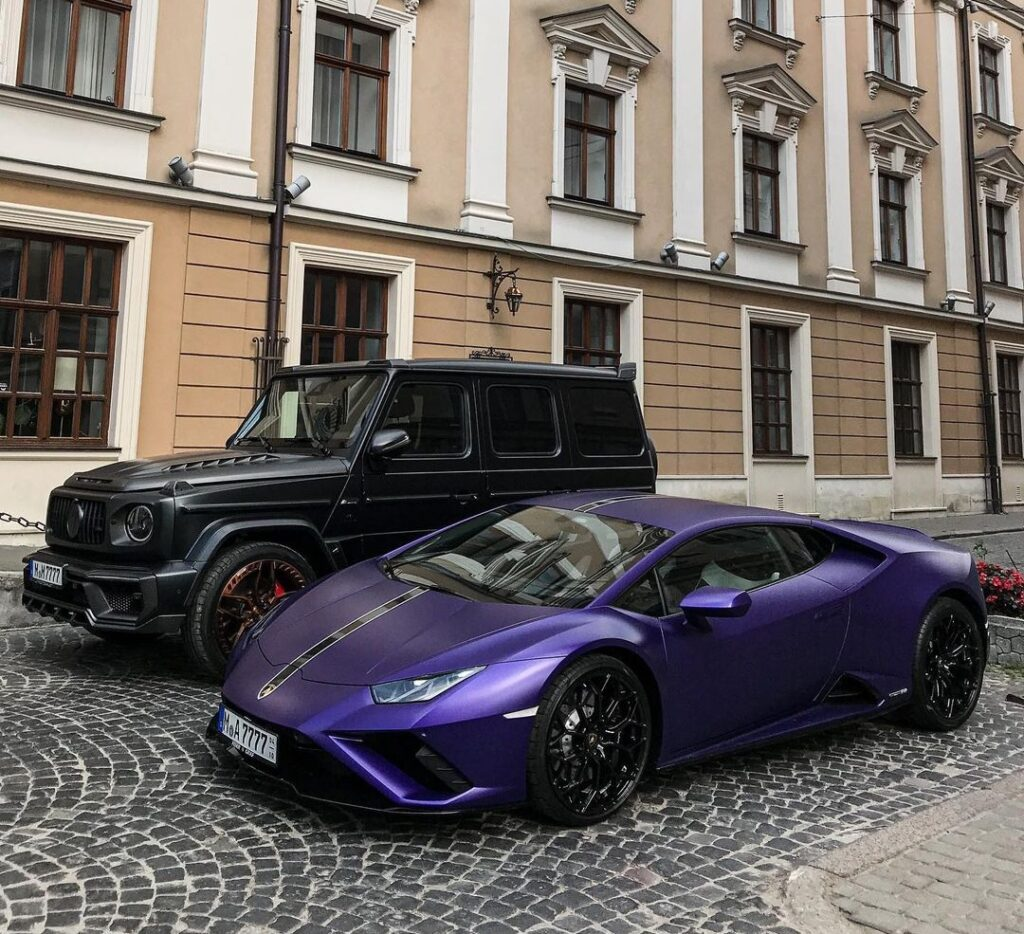 В Украине заметили крутой кортеж с Lamborghini и Гелендвагеном   ТопЖыр