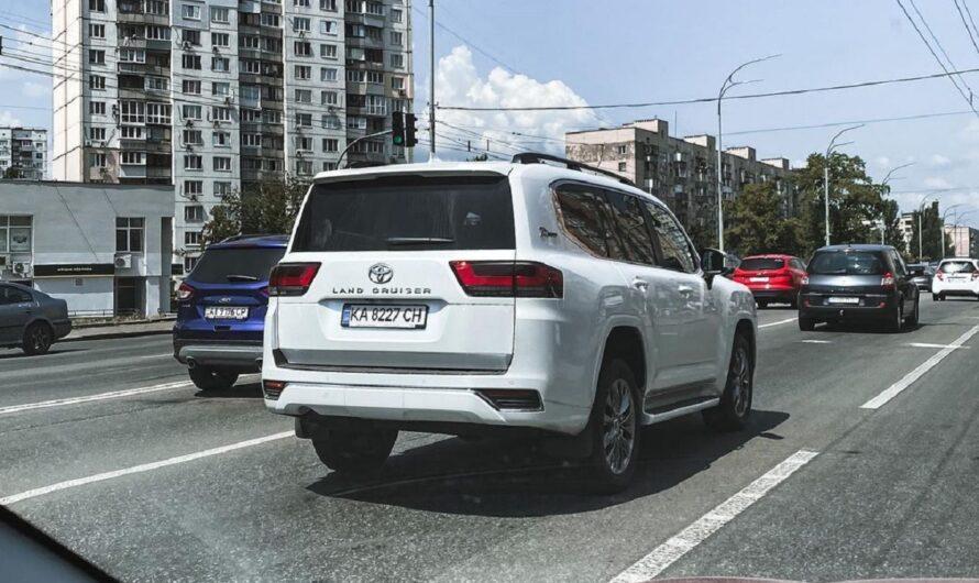 В Украине засветился новый Toyota Land Cruiser 300