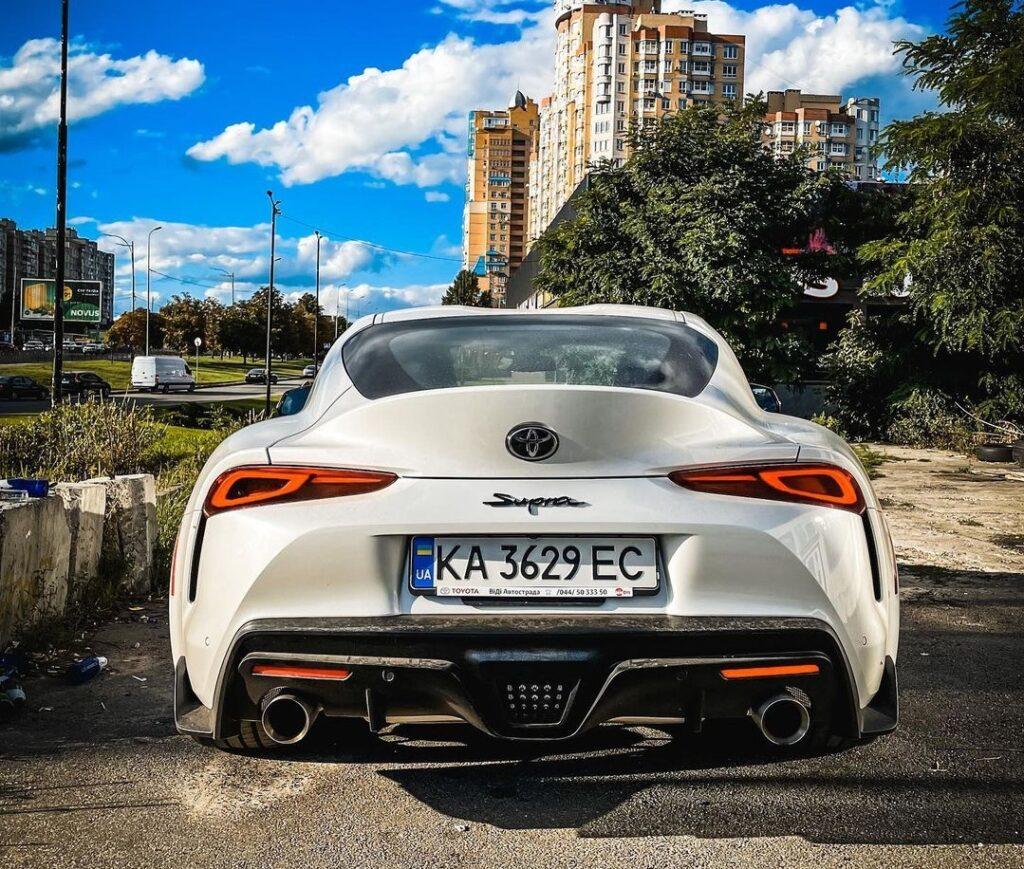 В Украине засветился редкий спорткар Toyota Supra 3