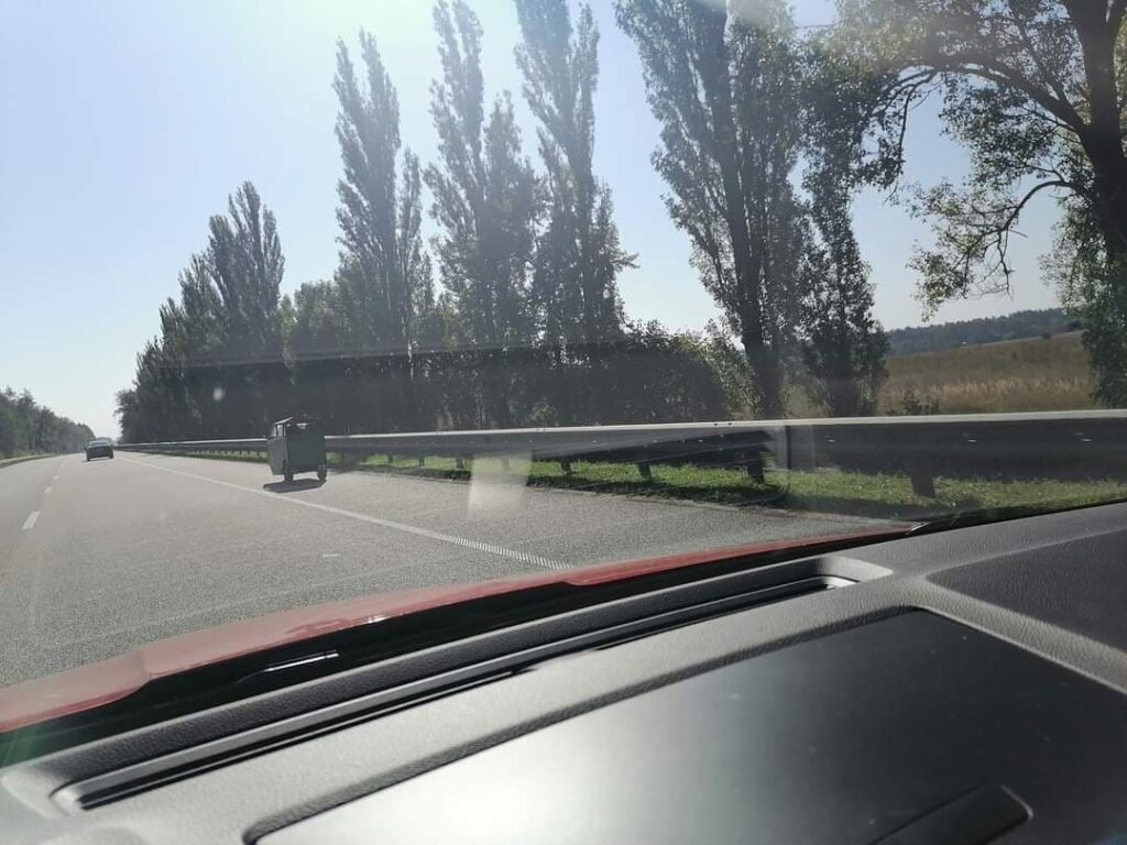 На дорогах Украины заметили первый«тук-тук » 2