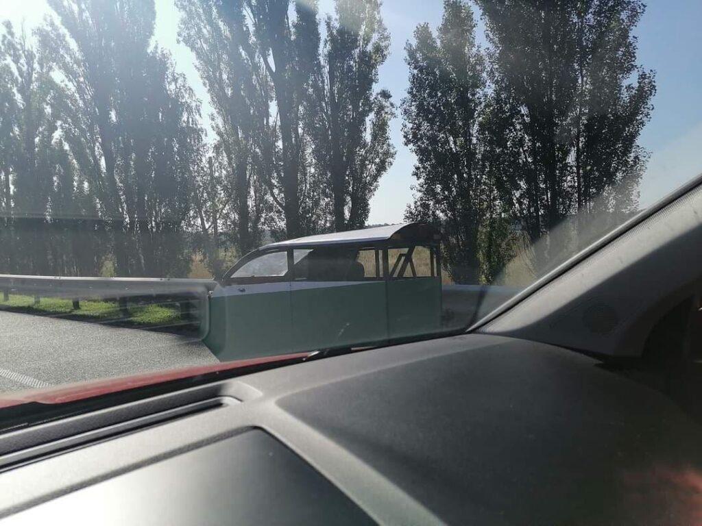 На дорогах Украины заметили первый«тук-тук » 1