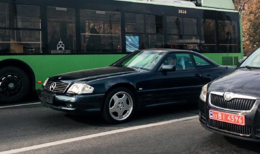По нашим дорогам ездит невзрачный старый Мерседес по цене нового суперкара